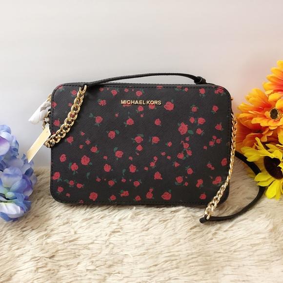 b4366cf4bc24 Michael Kors Bags